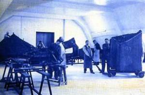Ouvriers de la galerie des plans-relief au début du XXe siècle ©Paris, Musée des Plans-reliefs
